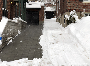 Montreal Residential Heated Driveway Charcoal hydroPAVERS®